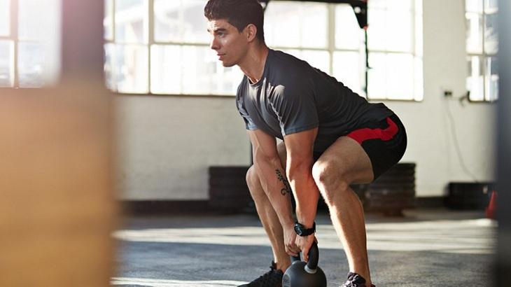 Squat cũng là bài tập tăng cường sinh lý cho nam giới hiệu quả