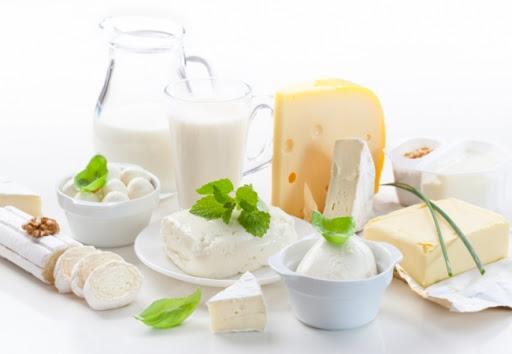 Sữa và các chế phẩm từ sữa khiến vùng bị viêm bị kích ứng, khó chịu
