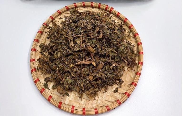 Sử dụng lá khô như trà đem lại giấc ngủ sâu