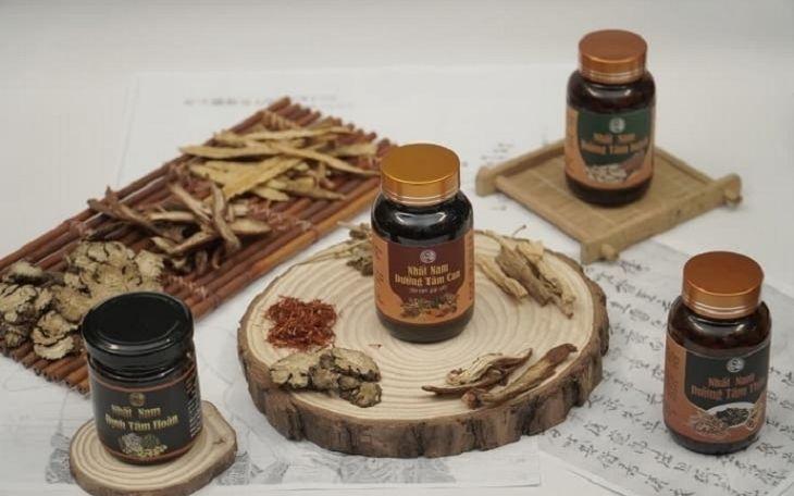 Nhất Nam Định Tâm Khang gồm 1 bài thuốc chính và 3 bài thuốc nhỏ trong bộ sản phẩm
