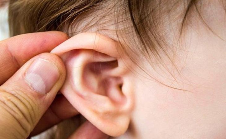 Trẻ em là đối tượng dễ mắc bệnh viêm tai giữa