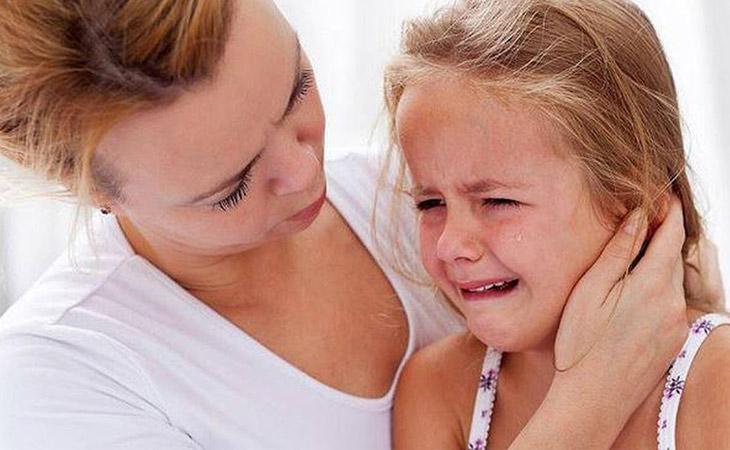 Biểu hiện cụ thể của bệnh viêm tai giữa mãn tính khiến người bệnh đau nhức dữ dội