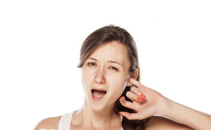 Bệnh viêm tai giữa xung huyết gây ngứa ngáy, khó chịu