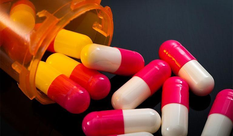 Điều trị viêm tai giữa thanh dịch bằng thuốc Tây y
