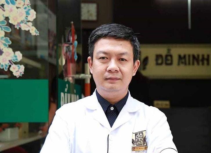Lương y Đỗ Minh Tuấn tại nhà thuốc Đỗ Minh Đường