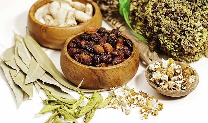 Áp dụng các bài thuốc Đông y để điều trị bệnh huyết trắng an toàn