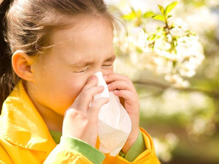 Cha mẹ có thể an tâm khi chữa cho con bằng thuốc đông y nhờ sự lành tính, ít tác dụng phụ