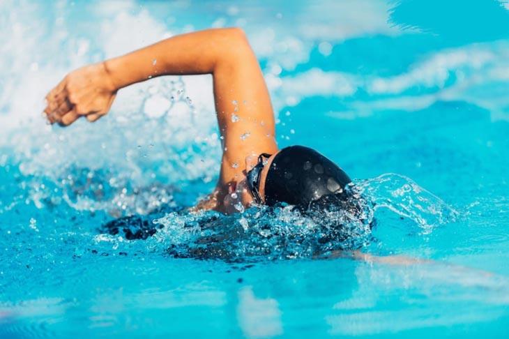 Bơi là môn thể thao rất tốt cho sinh lý nam