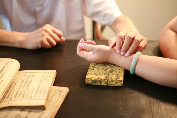 Y học cổ truyền cho rằng tác nhân gây viêm phụ khoa là do nội nhân, ngoại tà gây ra