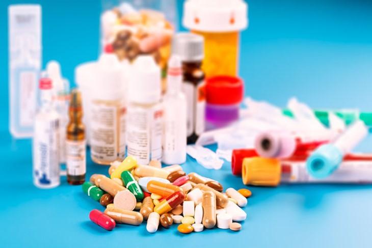 Điều trị viêm tai giữa bằng thuốc Tây là phương pháp tiện lợi nhất, được nhiều người ưa chuộng