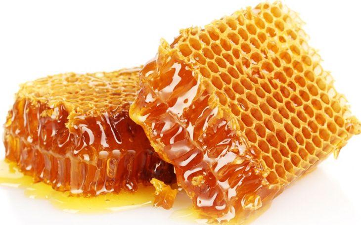 Có nên dùng sap ong chữa viêm tai giữa hay không