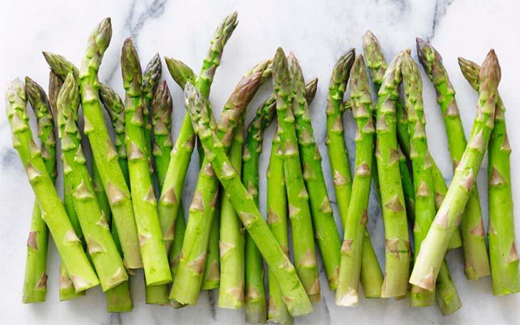 Măng tây chứa nhiều vitamin là thực phẩm tăng cường sinh lý được ưa chuộng
