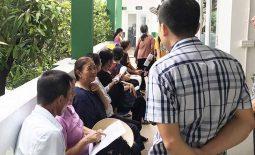 Rất đông người bệnh đến thăm khám tại Bệnh viện Tai Mũi Họng Quân dân 102