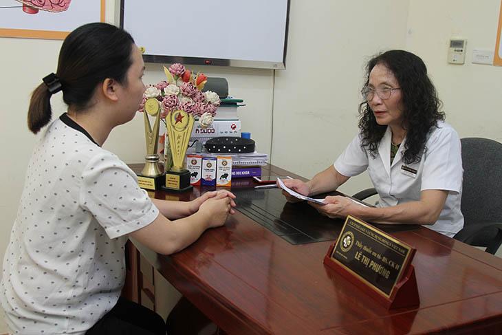 Chị Nhung - bệnh nhân đến chữa viêm xoang tại Trung tâm Đông y Việt Nam