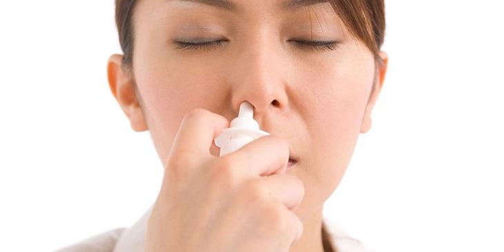 Rửa mũi đúng cách khi bị viêm tai giữa