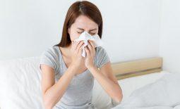 Hình ảnh người bị bệnh viêm mũi xoang xuất tiết