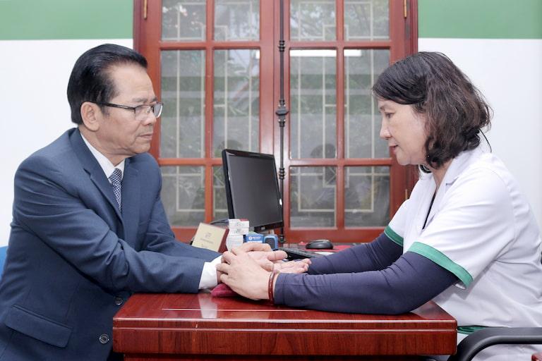 NSND Trần Nhượng chữa khỏi đau dạ dày bằng Sơ can Bình vị tán