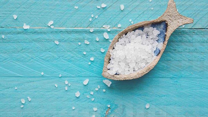 Súc miệng bằng nước muối hàng ngày ngăn ngừa sự phát triển của tác nhân gây bệnh