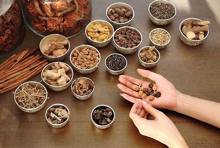 Bài thuốc Đông y chữa bệnh bã đậu amidan hiệu quả