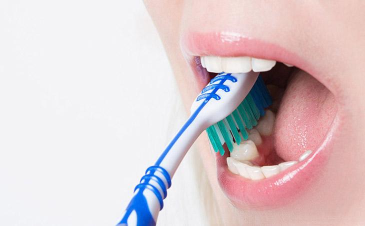 Vệ sinh răng miệng hàng ngày phòng ngừa bệnh hô hấp