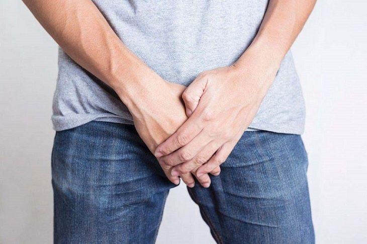 Ngứa bao quy đầu do bệnh chàm sinh dục
