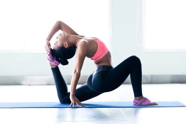 Bài tập Yoga giúp chị em thư giãn và vui vẻ hơn