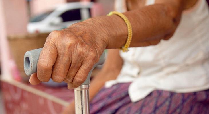 Đau nhức xương khớp có thể gây ra bại liệt hoàn toàn