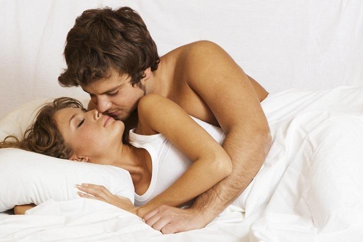 """Quan hệ đều đặn có tác dụng giúp """"cậu nhỏ"""" làm quen với âm đạo, giảm kích thích và kéo dài thời gian quan hệ"""