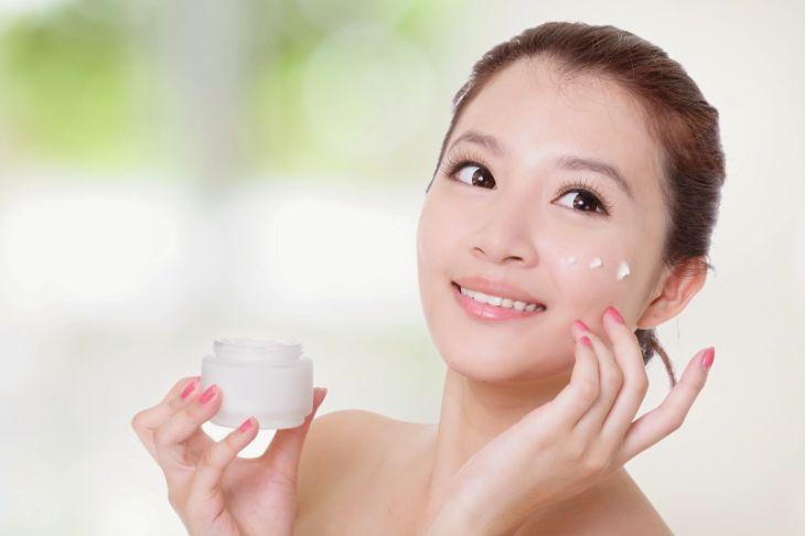 Sử dụng thuốc bôi ngoài da giúp khắc phục nhanh các biểu hiện bên ngoài