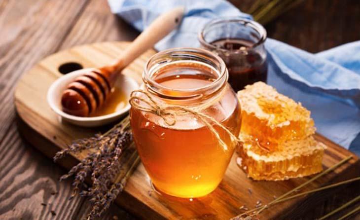 Cách chữa viêm amidan hốc mủ bằng dân gian với mật ong