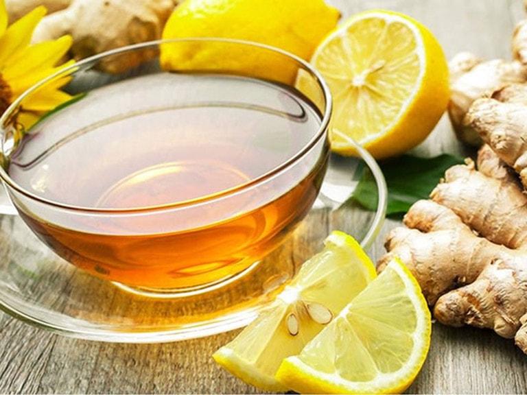 Uống trà gừng là cách khắc phục khi uống rượu nổi mề đay