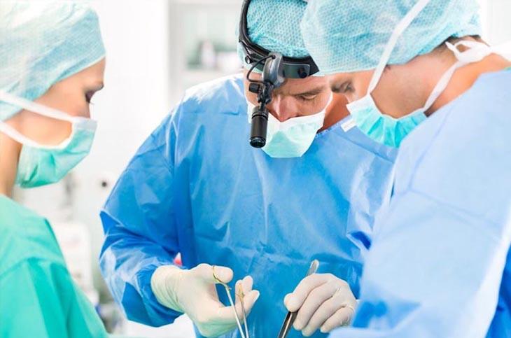 Súc miệng trong quá trình hậu phẫu ngăn ngừa biến chứng do cắt amidan