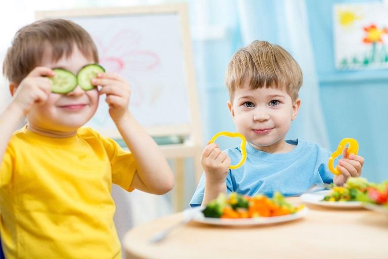 Trẻ nên ăn gì, kiêng gì để đảm bảo sức khỏe?