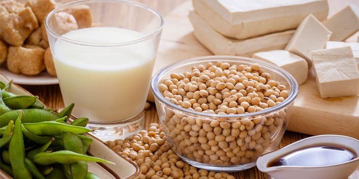 Trong đậu nành chứa nhiều dưỡng chất có lợi cho phụ nữ tiền mãn kinh