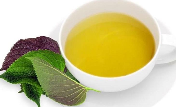 Chữa mề đay bằng lá tía tô là bài thuốc phổ biến