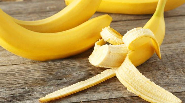 Nên ăn chuối chín vì nó có chứa nguồn dinh dưỡng tốt