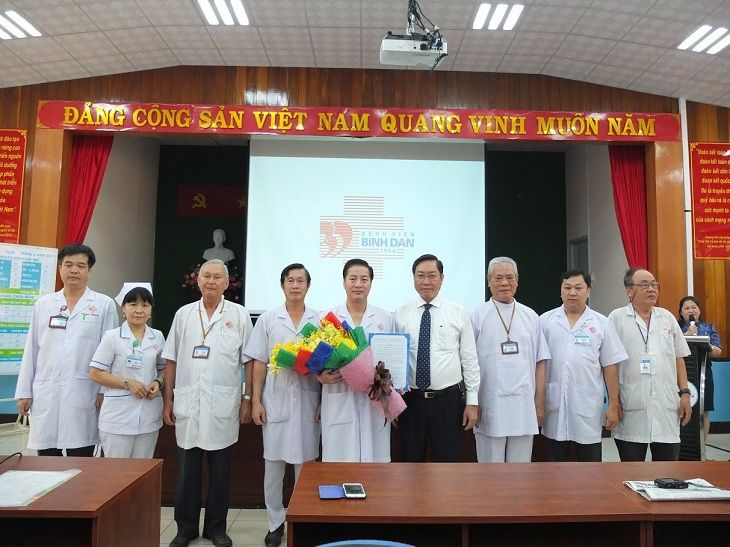 Đội ngũ y bác sĩ tại bệnh viện Bình Dân giàu kinh nghiệm, giỏi chuyên môn