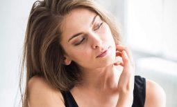 Thời tiết là một trong những nguyên nhân khiến da mặt bị ngứa, nổi mẩn