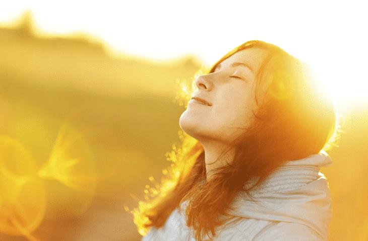 Nên tránh nắng khi bị nhiễm độc corticoid