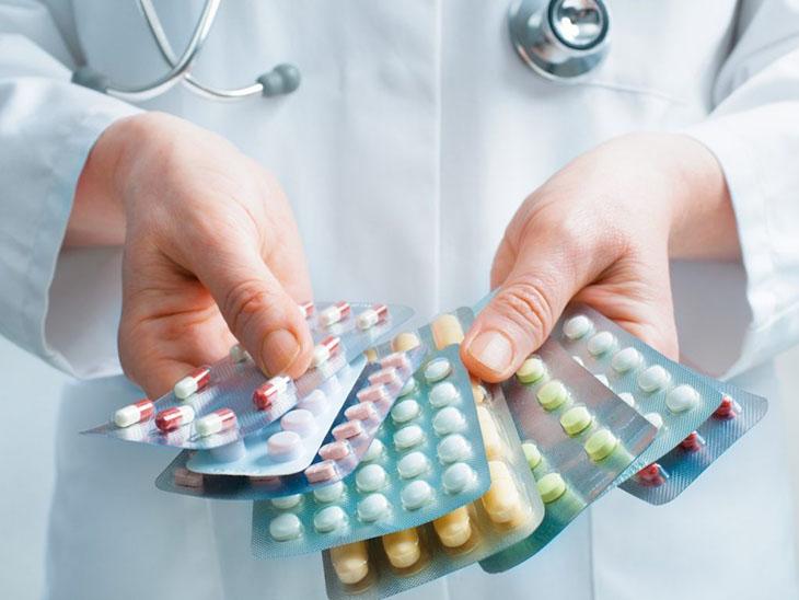 Dùng thuốc Tây y điều trị đau họng khạc ra máu hiệu quả