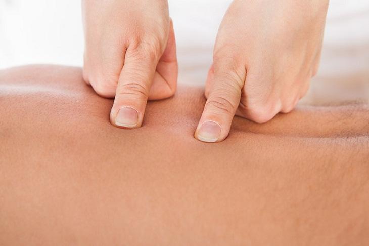 Tác động vào huyệt đạo để lưu thông máu giúp cải thiện khả năng cương cứng