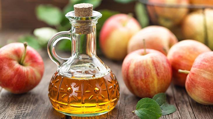 Súc miệng với giấm táo hàng ngày cải thiện bệnh viêm họng