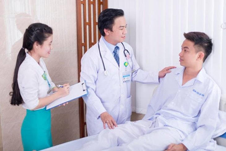 Bác sĩ tư vấn hướng trị bệnh bằng tâm lý