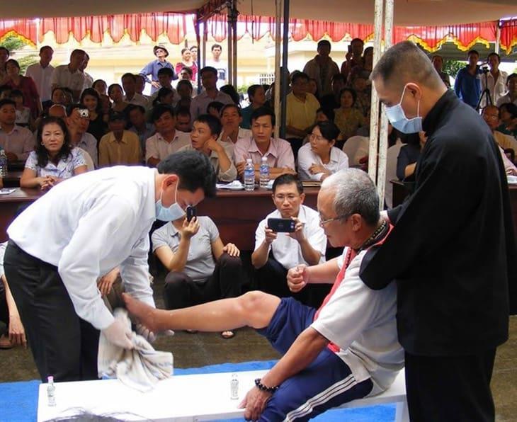 Hình ảnh lương y Võ Hoàng Yên trong buổi hội thảo