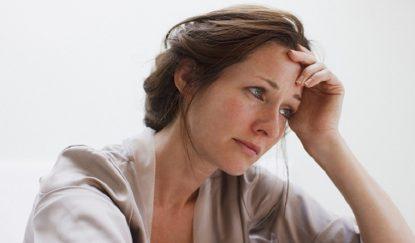 Tình trạng căng thẳng, áp lực khiến hiện tượng rối loạn nội tiết tố nữ nặng thêm