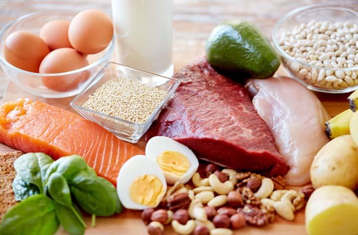 Thiếu chất dinh dưỡng khiến da khô và gây ngứa