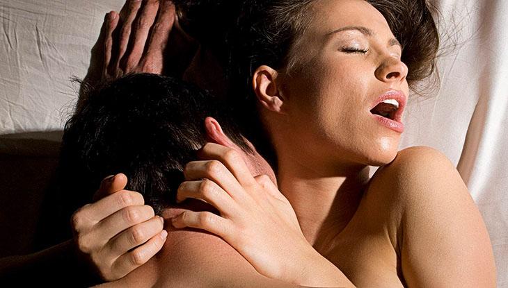 Phụ nữ lên đỉnh dễ dàng khi chuẩn bị màn dạo đầu cẩn thận