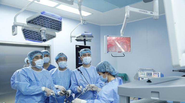 Phẫu thuật có trong phác đồ điều trị viêm đại tràng