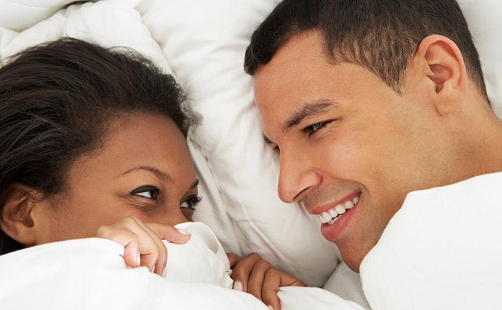 Lần đầu quan hệ sẽ cảm giác ngại ngùng giữa cả hai giới
