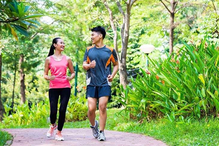 Cùng chồng tập luyện thể thao nhằm cải thiện chứng liệt dương